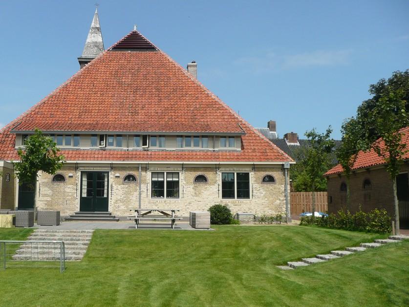 Tuin monumentaal weeshuis