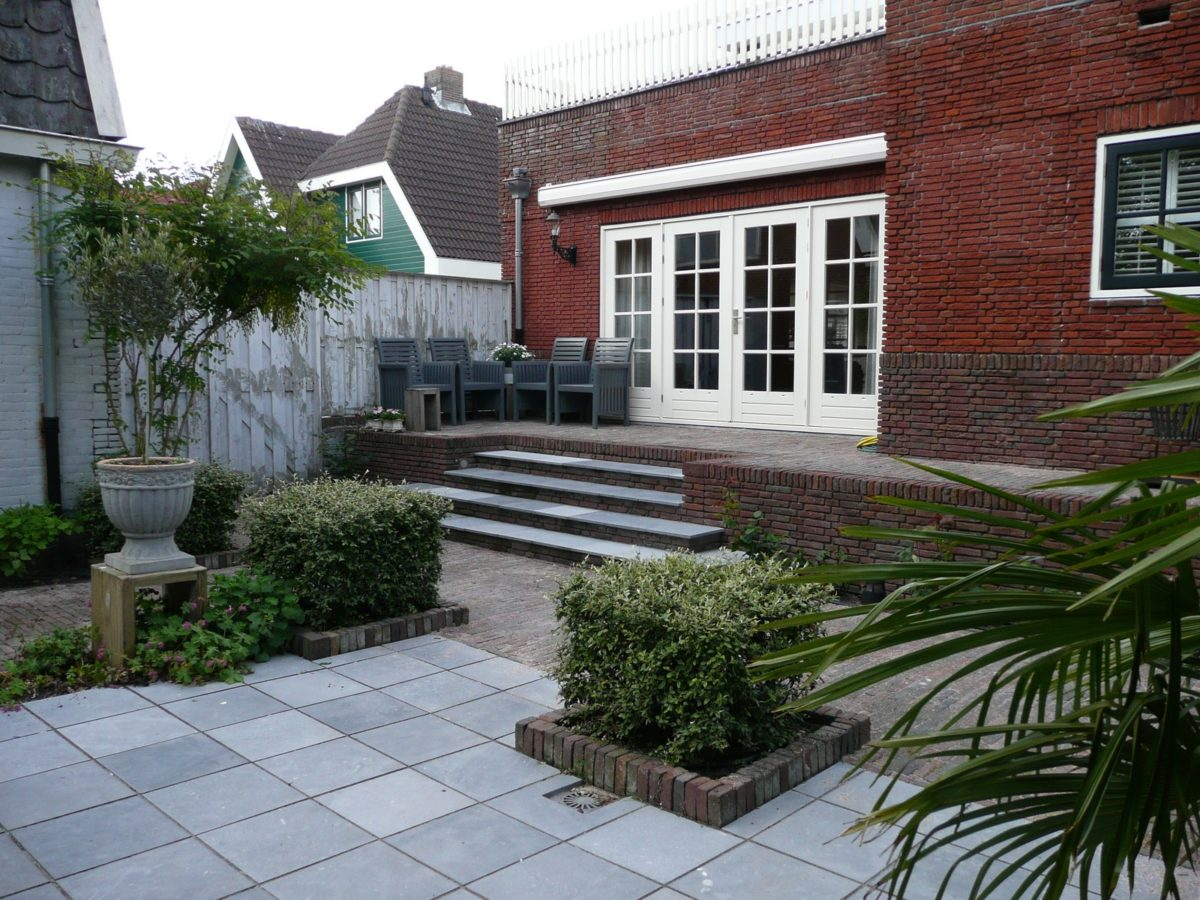 Moderne bostuin met veranda
