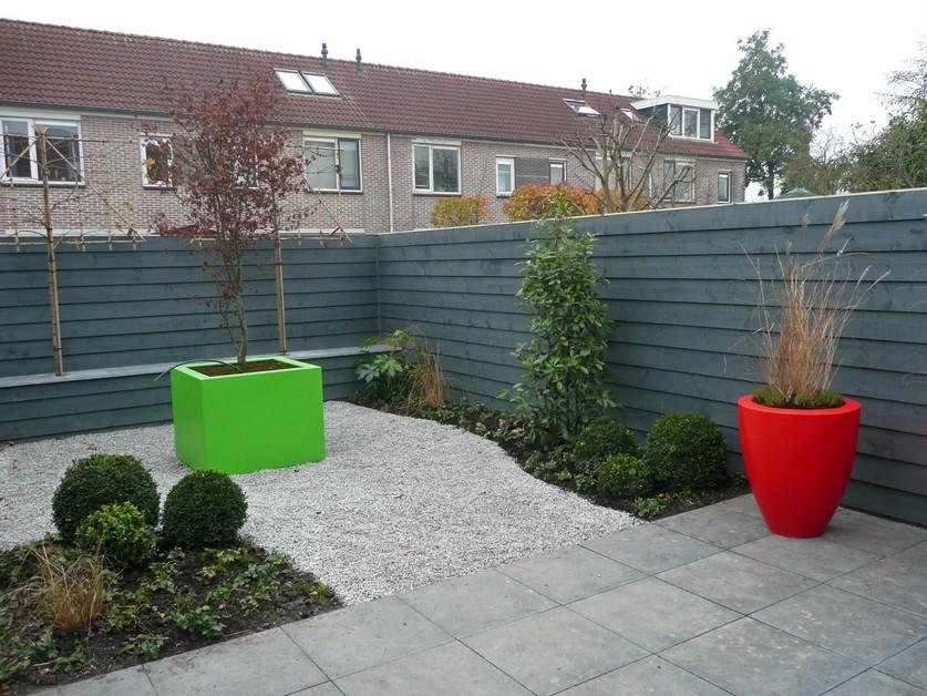Vrolijke supermoderne tuin