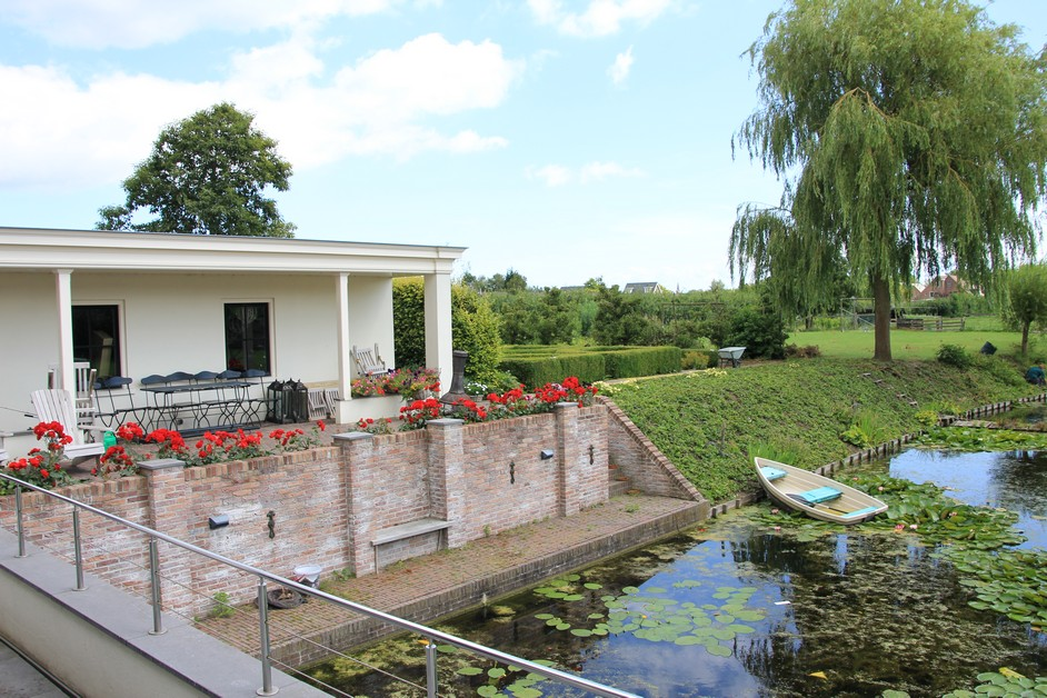 Grote villatuin in Blokker