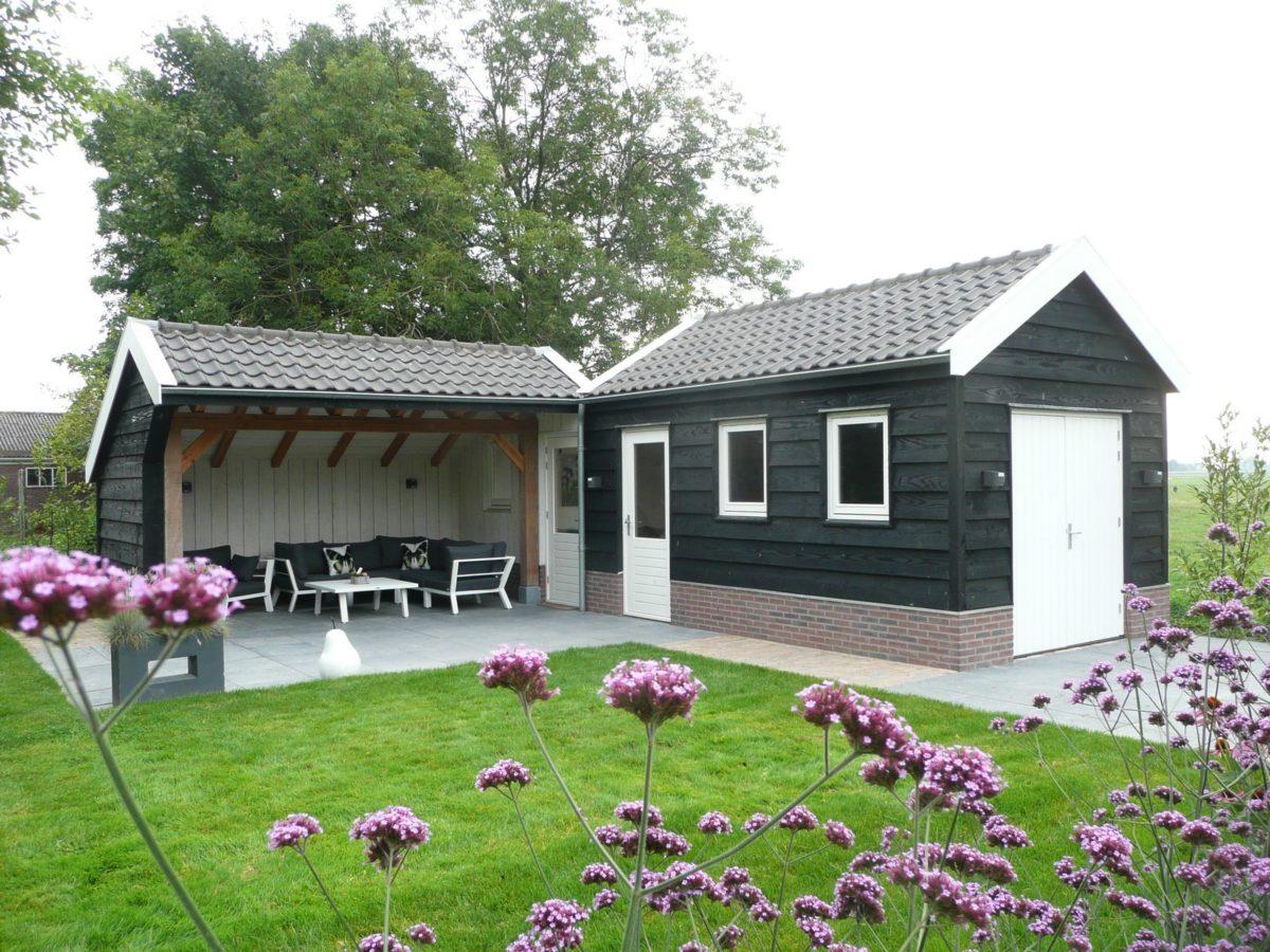 Landelijk tuin met tuinkamer
